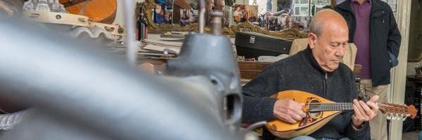 storie e persone : Andrea Vajuso con il suo mandolino